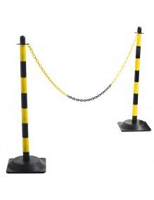 Separator post for plastic chain